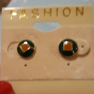 Tiny Black studs with brown centers